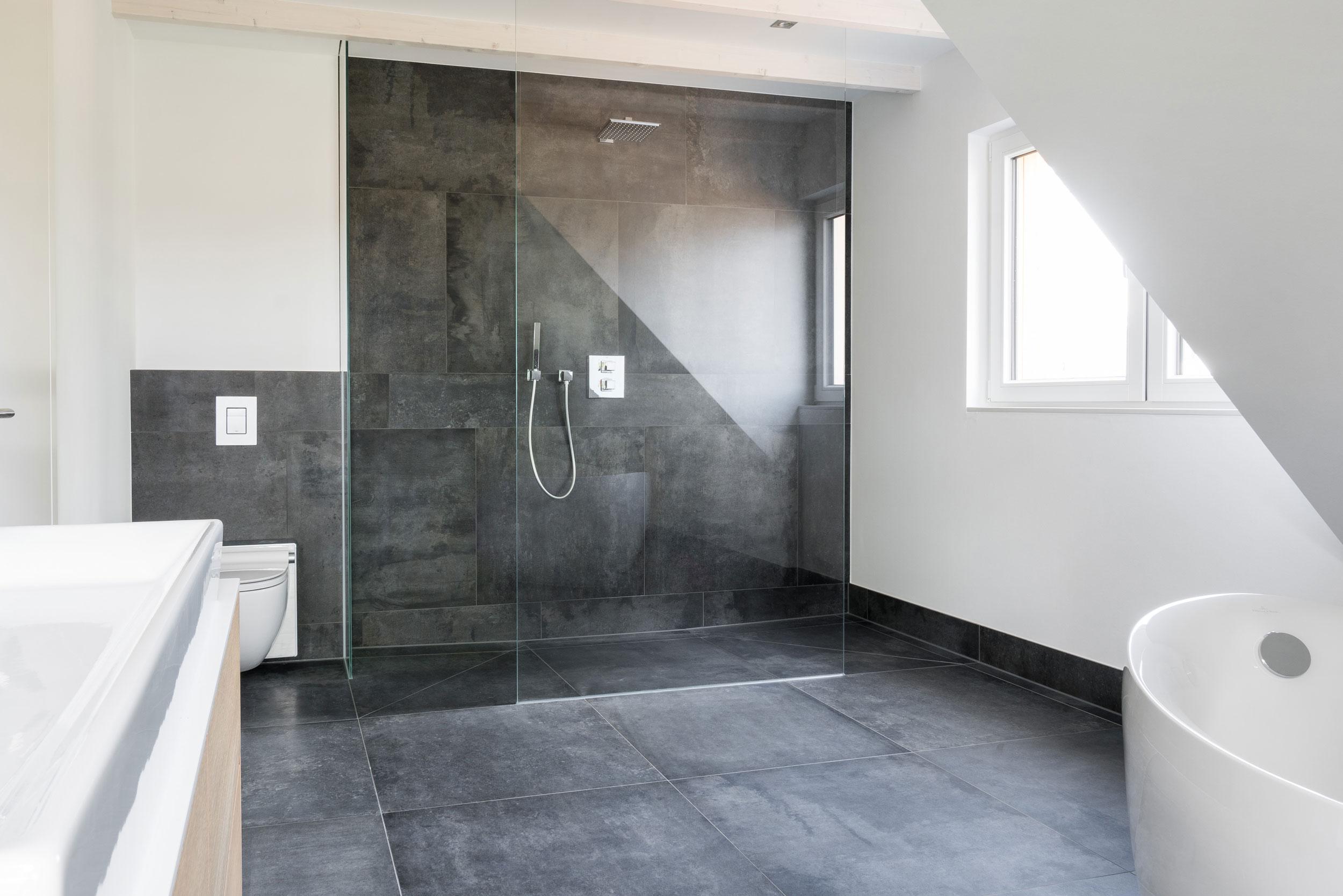 klassische fliesen badezimmer mediterraner stil sammlung. Black Bedroom Furniture Sets. Home Design Ideas